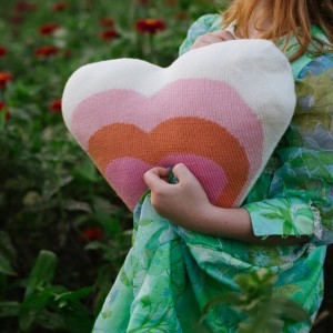 BB heart pillow ls